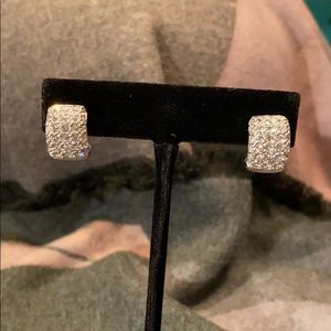 Jewelry - Swarovski Sparkly Silvertone Pierced Earrings